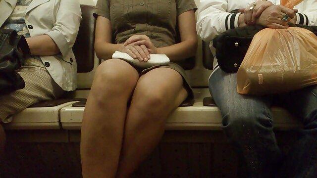小柄なティーンセレステ,ネラJourdain,熱を貫通すると エッチ 動画 女の子 向け