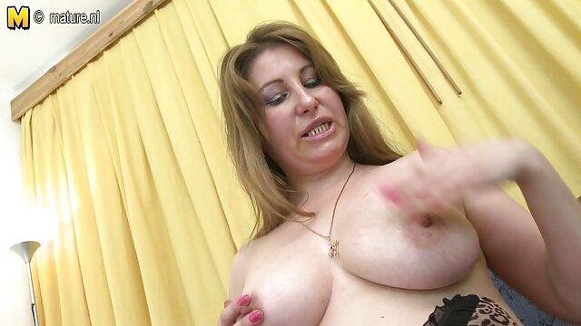 34黒髪入れ墨によって熟女 動画 sex 女性